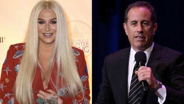 imagen El momento incómodo en el que Jerry Seinfeld rechaza un abrazo de Kesha (VIDEO)