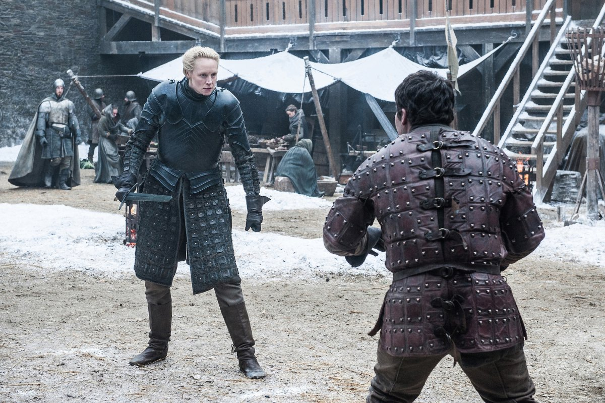 in-winterfell-brienne-of-tarth-and-podrick-payne-are-sparring-this-is-probably-a-continuation-of-pods-training-to-get-better-at-fighting