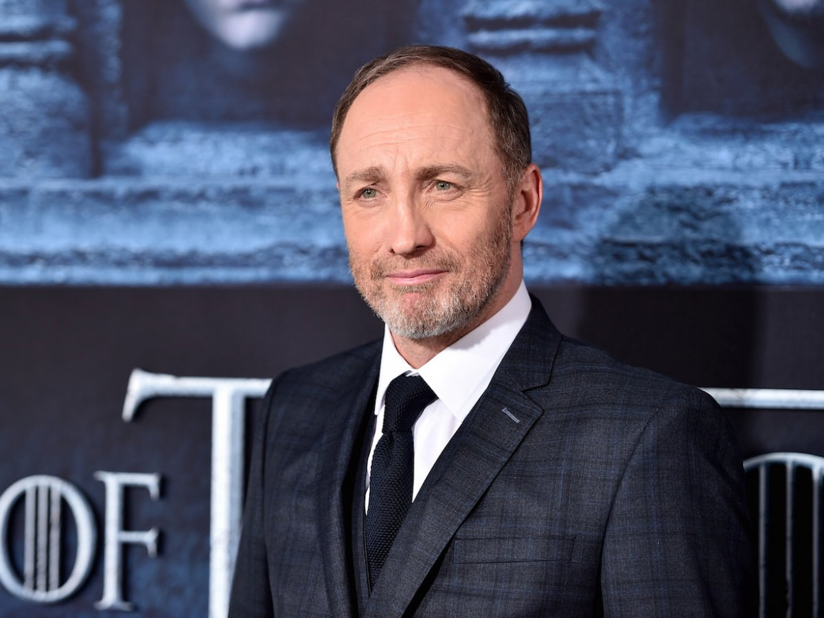 michael-mcelhatton-can-be-spotted-among-other-game-of-thrones-alumni-in-the-upcoming-guy-ritchie-movie-king-arthur-legend-of-the-sword