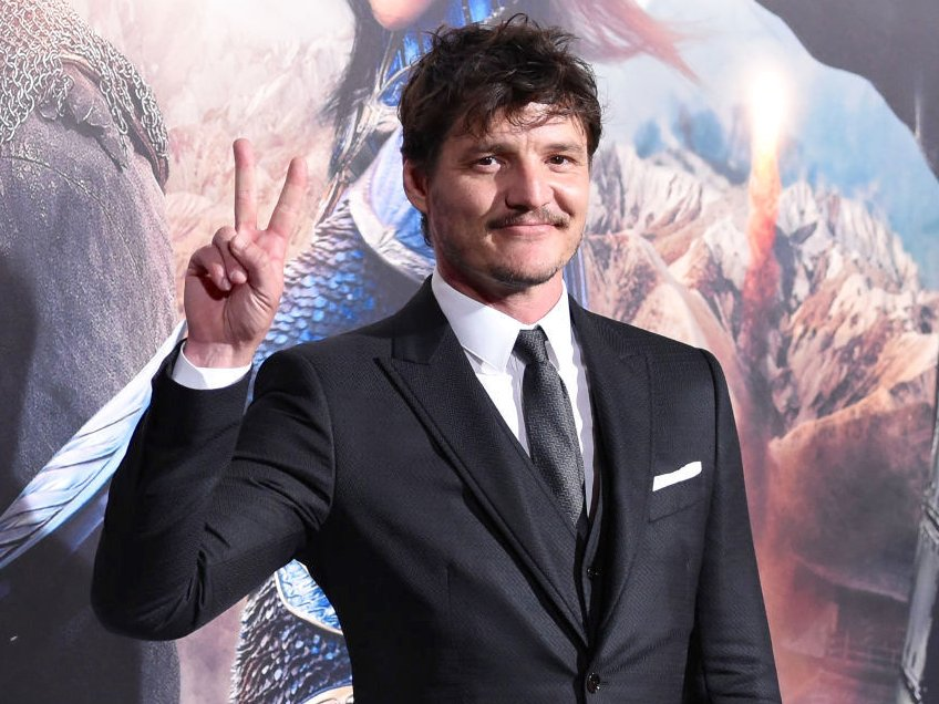 pascal-starred-opposite-matt-damon-in-2017s-the-great-wall-you-can-also-catch-him-on-netflix-in-narcos (1)
