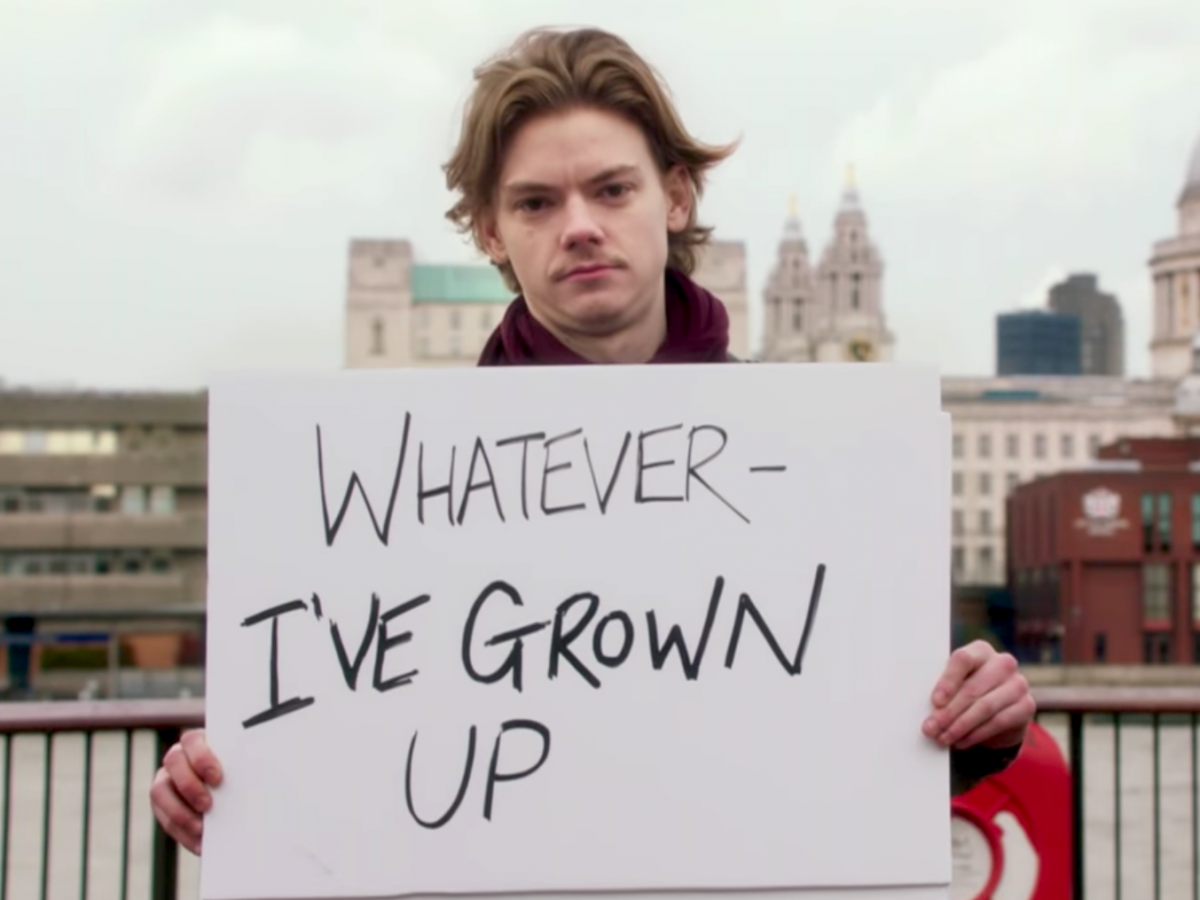you-can-see-brodie-sangster-reprise-his-love-actually-role-in-a-new-short-created-for-red-nose-day-on-may-25-2017