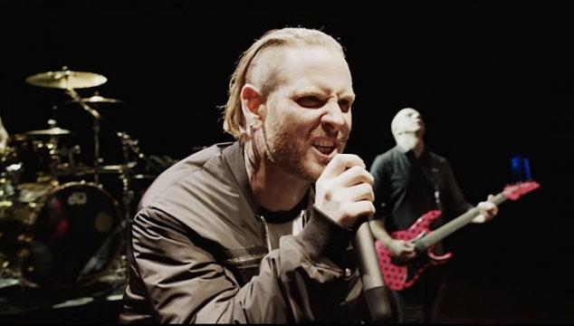 imagen Corey Taylor de Slipknot descarga a los músicos que llamaron cobarde a Chester Bennington por suicidarse