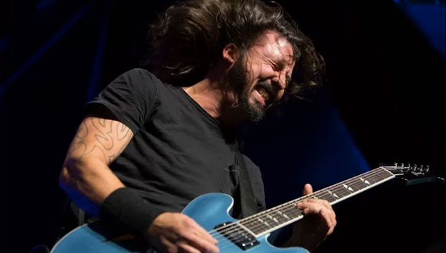 imagen Foo Fighters tocó 3 horas y media en el Lollapalooza 2017 (VIDEOS)