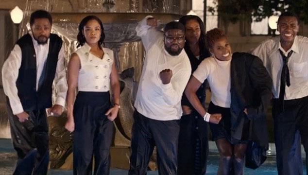 imagen JAY-Z hizo un remake de la serie 'Friends' con un reparto de negros para su nuevo videoclip