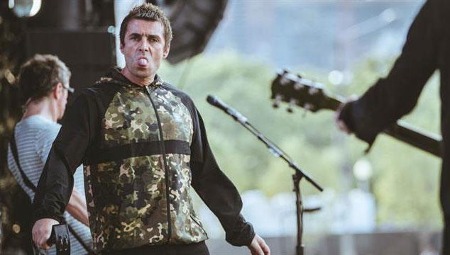 imagen Liam Gallagher termina abruptamente su show en el Lollapalooza a los 20 minutos y se disculpa después