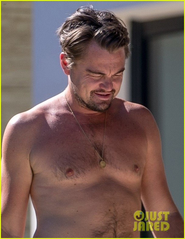 leo-dicaprio-goes-shirtless-on-vacation-with-kate-winslet-01