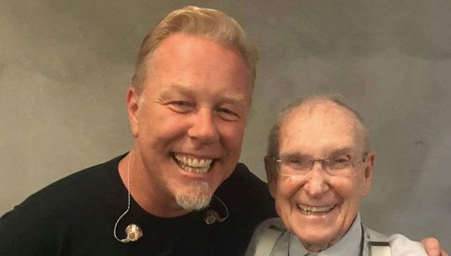 imagen El padre de Cliff Burton fue a un concierto de Metallica a sus 92 años (FOTOS)