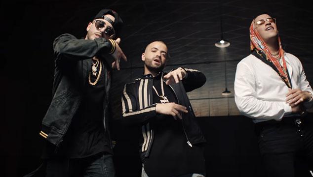 imagen Nacho presenta el videoclip del remix de 'Báilame' con Yandel y Bad Bunny