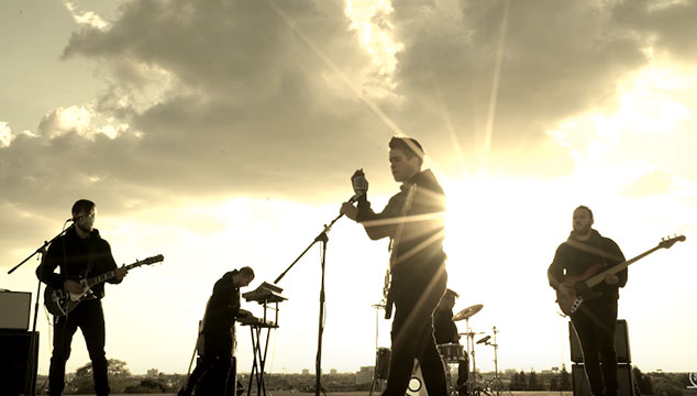 imagen VINILOVERSUS estrena el videoclip de 'So Many Stars'