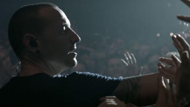 imagen Mike Shinoda de Linkin Park recuerda a Chester Bennington en una entrevista