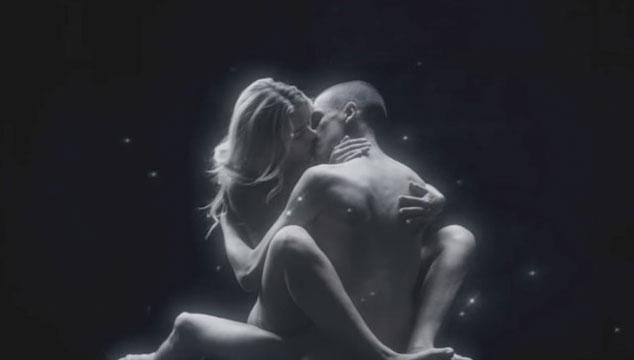 imagen Justice estrena videoclip en vivo de 'Pleasure' (NSFW)