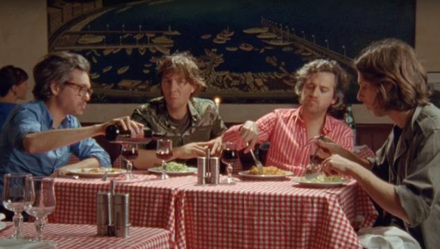 imagen Phoenix tocó 'Telefono' en el show de Seth Meyers y estrenó video de 'Ti Amo'
