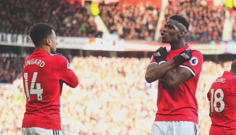 Un Jugador Del Manchester United Celebró Un Gol Haciendo